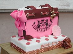 Fashion cakes and cupcakes! Pretty Cakes, Beautiful Cakes, Amazing Cakes, Cupcakes, Cupcake Cakes, Bag Cake, Purse Cakes, Couture Cakes, Gateaux Cake