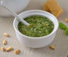 Groene pesto of pesto genovese Italian Recipes, Vegan Recipes, Cooking Recipes, Diner Recipes, Luxury Food, Tapenade, Pesto Recipe, Happy Foods, Diy Food