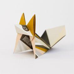 Mustard fox: Pack of 3 folded origami foxes van Birdtoldme op DaWanda.com