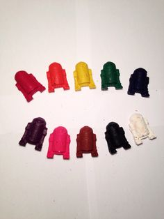 R2D2 Crayons - Set of 10 - Star Wars Crayons - R2D2 - Star Wars - Star Wars Gift - Star Wars Birthday - Party Favor - Kid Party Favor by ColumbusCrayonCo on Etsy https://www.etsy.com/listing/256201077/r2d2-crayons-set-of-10-star-wars-crayons