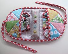 Inspiration- 'Stitchy Kit' A great Sewing Case, throw it in your purse & go! I'm looking for a good pattern for a sewing take-along. I have take alongs for knitting , crochet & tatting (the other crafts I take with me when I know I'll need something to keep my hands busy)! But I still need for a keeper for all my sewing necessities!!