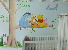 Muurschildering met kat (huisdier) en cartoon figuurtjes Winnie the Pooh. Gemaakt door BIM Muurschildering.   mural painting pet cat