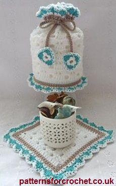 Toilet Tissue cover  small mat free crochet pattern from http://www.patternsforcrochet.co.uk/toilet-tissue-cover-mat-usa.html #freecrochetpatterns #patternsforcrochet