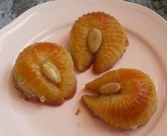 Greek Sweets, Greek Desserts, Greek Recipes, Candy Recipes, Dessert Recipes, Bread Cake, Yams, Holiday Cookies, Bagel
