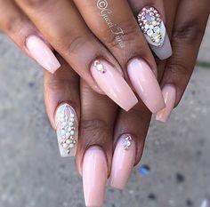 Naturel nails with swarovski