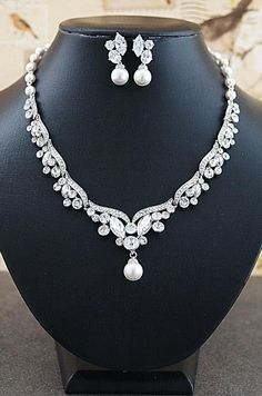I Can T Wait To Wear This Bridal Jewelry Set Wedding Necklace