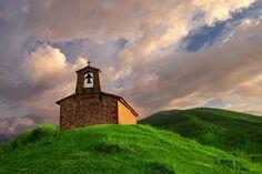 La ermita de Santa Bárbara. Ezcaray (La Rioja)
