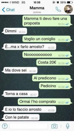"""Si chiama """"Mamme che scrivono messaggi su Whatsapp"""" ed è la pagina Facebook che, come suggerisce il titolo, raccoglie, giocando con l'ironia, tutti gli scambi di messaggi più divertenti, stravaganti e irriverenti tra genitori e figli. Un modo per sorridere sulle differenze generazionali quando genit… Funny Chat, Italian Memes, Funny Twilight, Funny Phrases, Pokemon, Funny Text Messages, Me Too Meme, Tumblr, Funny Pins"""
