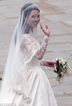 I love Kate Middleton's wedding dress. It's my ideal wedding dress. So beautiful.