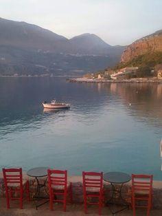 Limeni in Peloponnesus Travel Sights, Places To Travel, Places To Go, Beautiful Islands, Beautiful World, Santorini Villas, Greek Sea, Myconos, Beautiful Places To Visit