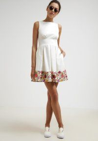 Closet - Vestido informal - rose embroidery