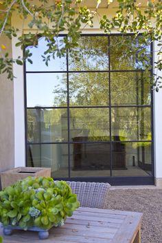Love These Steel Windows Steel Doors And Windows, Metal Windows, Iron Windows, Iron Doors, House Windows, Black Windows Exterior, Interior Windows, Modern Exterior, Exterior Design