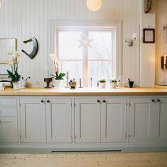 Min lantliga dröm: Kök i grått. Country style kitchen, cottage, grey. Scandinavian.