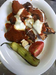 Yoğurtlu ve domates soslu ızgara