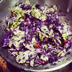Rohes kann so köstlich sein! Lisas Salat jedenfalls macht Lust auf mehr..  http://vegan-village-life.blogspot.de/2014/11/vegan-wednesday-116-rawwwr.html