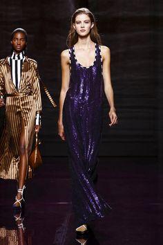 Nina Ricci Ready To Wear Spring Summer 2017 Paris