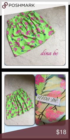 #189  🌴 FRANCESCA'S DINA BE SKIRT Lovely lime skirt green with fushia colored flowers and bluebirds.  Elastic waist.  Cotton. Francesca's Collections Skirts