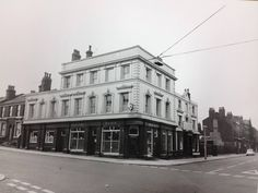 The Royal Park pub ....  North Hill st