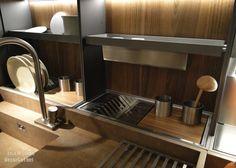 Kitchen-backsplash-storage-660x472.jpg (660×472)