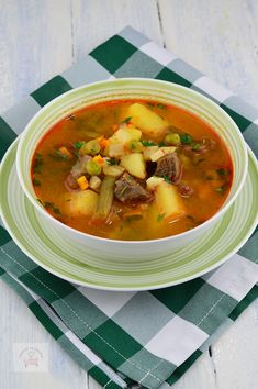 Jacque Pepin, Romanian Food, Yummy Food, Tasty, Thai Red Curry, Soup Recipes, Supe, Food And Drink, Dishes