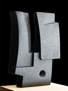 Antonio Chemor | Escultores | Arte Hoy ® Galería | Coyoacán | CDMX | 2016 Cubist Sculpture, Concrete Sculpture, Sculptures Céramiques, Concrete Art, Pottery Sculpture, Outdoor Sculpture, Stone Sculpture, Modern Sculpture, Kintsugi