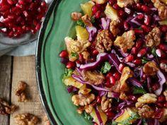 Rødkålssalat med grønkål, appelsin og valnødder   Kung Pao Chicken, Ethnic Recipes, Food, Essen, Meals, Yemek, Eten