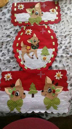 CÓMO HACER UN JUEGO DE BAÑO DE NAVIDAD Christmas Clay, Felt Christmas Ornaments, Unique Christmas Decorations, Holiday Decor, Bathroom Crafts, Decoupage, Christmas Crafts, Merry, Diy Crafts