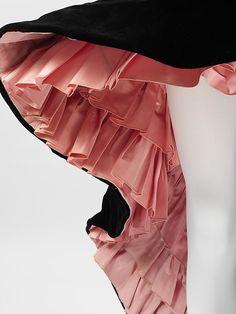 Evening dress Design House: House of Balenciaga (French, founded 1937) Designer: Cristobal Balenciaga (Spanish, Guetaria, San Sebastian 1895–1972 Javea) Date: 1951 Culture: French Medium: silk Dimensions: Length at CB: 47 in. (119.4 cm)