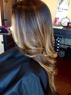 Color melting  from brunette to caramel