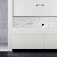 #kitchen #marble #wood #interiordesign #architecture #modern #wood #chair #modernfurniture #vintage #whiteinterior #neutralinterior #design #apartment #room #spaces #moderninteriordesign #inspiration