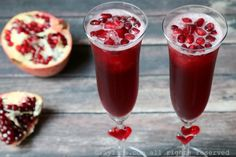Sparkling pomegranate cocktail recipe made with pomegranate sorbet or granita, tequila, and champagne or sparkling wine Gin And Prosecco Cocktail, Gin Ingredients, Spicy Candy, Pomegranate Cocktails, Snacks Sains, Grenade, Exotic Food, Quick Recipes, Clean Eating Snacks