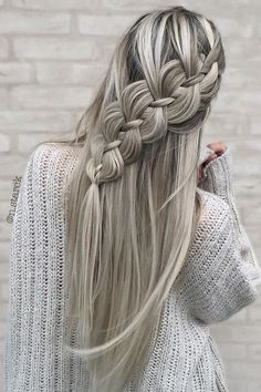 4 Strand Braid ❤️ Do not believe in the myth that braided hairstyles are difficult to do. We have picked some braids that are trendy, messy, and, most importantly, easy. ❤️ # 4 strand Braids how to Unique Wedding Hairstyles, Fancy Hairstyles, Creative Hairstyles, Trending Hairstyles, Braided Hairstyles, Hairstyles Haircuts, Curly Hairstyle, Gorgeous Hairstyles, Hairstyles Videos