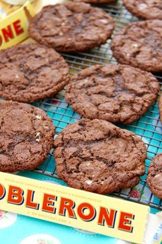 16 Toblerone Desserts That'll Totally Take The Edge Off Chocolate Orange Cookies, Honey Chocolate, Homemade Chocolate, Fruit Cookies, Oat Cookies, Cookie Bars, Bakery Recipes, Cookie Recipes, Dessert Recipes