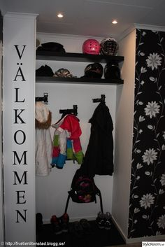 väggord,hatthylla,mio,hallförvaring Wardrobe Rack, Inspiration, Furniture, Google, Home Decor, Biblical Inspiration, Decoration Home, Room Decor, Home Furniture
