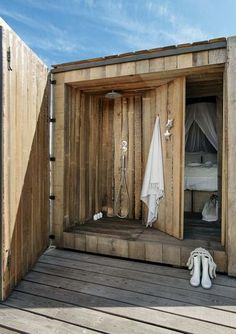 You have probably seen outdoor shower enclosures and have dreamt of having one in your own backyard; it is really easy to make one as long as you have the right materials for the shower design. Since outdoor shower enclosures Outside Showers, Outdoor Showers, Outdoor Shower Enclosure, Outdoor Bathrooms, The Design Files, Wooden Doors, Tiny House, Outdoor Living, Backyard
