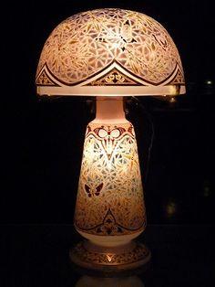 エミール・ガレ「蝶文ランプ」