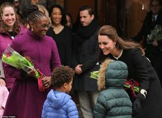 Kate Middleton Photos - Catherine, Duchess of Cambridge greets guests at Northside Center for Child Development during her official two-day visit to the United States on December 2014 in New York City. Princesa Charlotte, Princess Kate Middleton, Kate Middleton Photos, Duke And Duchess, Duchess Of Cambridge, Duchess Kate, New York Tours, Bill De Blasio, Pregnancy