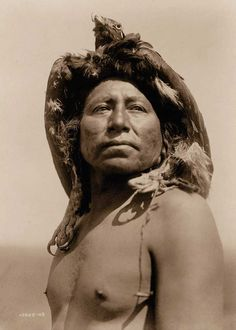 An expansive photo record of Native American life in the early Native American Photos, Native American Tribes, Native American History, American Indians, American Life, American Crow, Crow Indians, Edward Curtis, Photo Record
