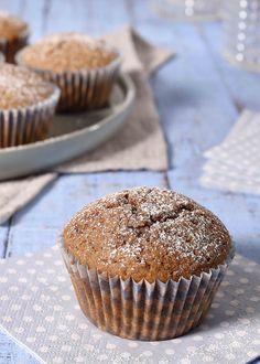 Muffins med havregryn smak godt og er kanskje litt sunnere en andre muffins. Dette er en oppskrift på grove muffins bakt med både sammalt hvete og havremel – SE OPPSKRIFTEN HER!