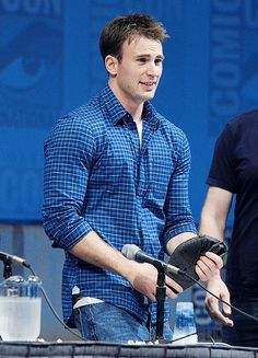 """evanstain: """" """"one year of chris evans """" ↪ day 42: at the 'captain america: the the first avenger' panel at san diego comic con, 2010 """""""