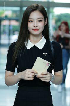 """A day of jennie kim looking like a high school / college / university crush a thread. Blackpink Jennie, Blackpink Fashion, High Fashion, Fashion Events, South Korean Girls, Korean Girl Groups, Jenny Kim, Rapper, Top 5"