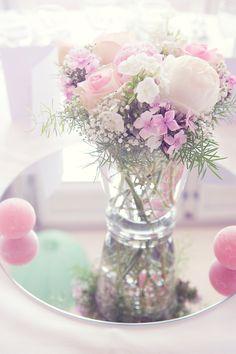 décoration mariage pastelhttp://lamarieeencolere.com/2013/10/mariage-theme-pastel/