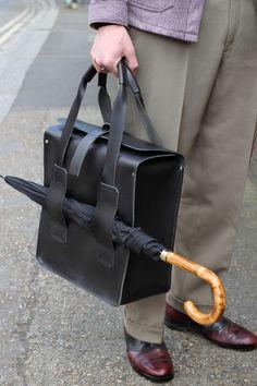 Black all leather service holdall bag w/ umbrella holder | Scott Fraser Collection