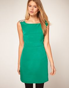bright green bridesmaid