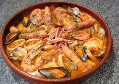Navidad Dukan: Zarzuela de pescado y marisco (Dukan Crucero) / Dukan Diet Shellfish Stew Fish Recipes, Seafood Recipes, Mexican Food Recipes, Gourmet Recipes, Great Recipes, Cooking Recipes, Healthy Recipes, Fish Dishes, Seafood Dishes