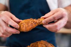 A sous vide fried chicken recipe that makes it easy to achieve perfectly cooked meat and a crispy brown crust. Sous Vide Chicken Wings, Sous Vide Fried Chicken, Fried Chicken Wings, Chicken Milk, Bbq Chicken, Chicken Recipes, Buttermilk Fried Chicken, Sous Vide Cooking, Winner Winner Chicken Dinner