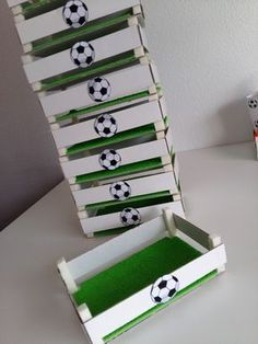 Children's party with a football theme - Celebrat : Home of Celebration, Events to Celebrate, Wishes, Gifts ideas and more ! Soccer Birthday Parties, Football Birthday, Soccer Party, Sports Party, Birthday Party Themes, Barcelona Party, Football Themes, Kids Soccer, Fiesta Party