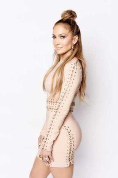 JLo serving all sorts of hotness in her hairdo with a modern twist. Jennifer Lopez Wallpaper, Beautiful Celebrities, Beautiful People, Estilo Glamour, Mode Rose, Ombré Hair, Shorty, Spice Girls, My Idol
