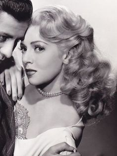 Lover of old hollywood and anything vintage. Old Hollywood Glamour, Hollywood Actor, Golden Age Of Hollywood, Vintage Hollywood, Hollywood Stars, Classic Hollywood, Hollywood Icons, 1940s Hairstyles Short, Side Bun Hairstyles