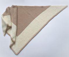 Baktus | Three-corner Shawl http://etsy.me/2F5ahUZ #accessories #scarf #baktus #shawl #triangularscarf #anavalenart #womensfashion #handknitscarf #threecornershawl #schal #strickschal #dreieckstuch